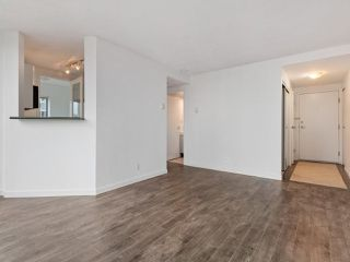 """Photo 5: 2102 1331 ALBERNI Street in Vancouver: West End VW Condo for sale in """"The Lions"""" (Vancouver West)  : MLS®# R2517604"""