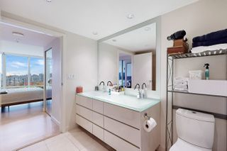 Photo 16: 1602 8 SMITHE Mews in Vancouver: Yaletown Condo for sale (Vancouver West)  : MLS®# R2518054
