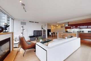 Photo 8: 1602 8 SMITHE Mews in Vancouver: Yaletown Condo for sale (Vancouver West)  : MLS®# R2518054