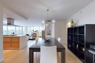 Photo 10: 1602 8 SMITHE Mews in Vancouver: Yaletown Condo for sale (Vancouver West)  : MLS®# R2518054