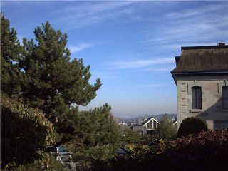 "Photo 2: 102 67 MINER Street in New Westminster: Fraserview NW Condo for sale in ""FRASERVIEW PARK"" : MLS®# V916566"
