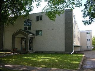 Photo 1: 10622 - 111 STREET: House for sale (Queen Mary Park)