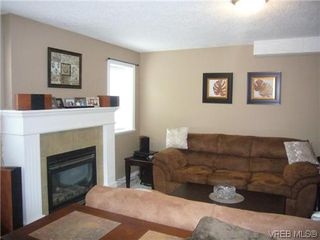 Photo 15: 1055 Violet Avenue in VICTORIA: SW Strawberry Vale Residential for sale (Saanich West)  : MLS®# 310190
