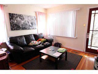 Photo 3: 140 27 Avenue NE in CALGARY: Tuxedo Residential Detached Single Family for sale (Calgary)  : MLS®# C3603482