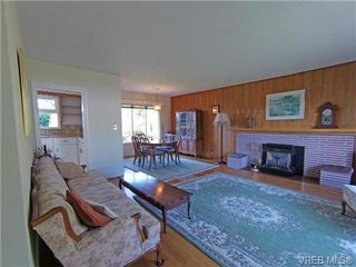 Photo 6: 2988 Eastdowne Rd in VICTORIA: OB Henderson House for sale (Oak Bay)  : MLS®# 689873