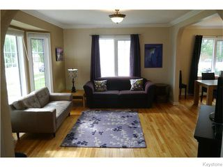 Photo 2: 1329 Somerville Avenue in WINNIPEG: Manitoba Other Residential for sale : MLS®# 1525316