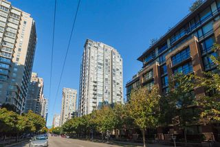 "Photo 19: 1204 1010 RICHARDS Street in Vancouver: Yaletown Condo for sale in ""THE GALLERY"" (Vancouver West)  : MLS®# R2115670"