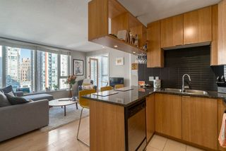 "Photo 4: 1204 1010 RICHARDS Street in Vancouver: Yaletown Condo for sale in ""THE GALLERY"" (Vancouver West)  : MLS®# R2115670"