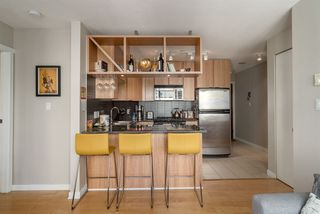 "Photo 6: 1204 1010 RICHARDS Street in Vancouver: Yaletown Condo for sale in ""THE GALLERY"" (Vancouver West)  : MLS®# R2115670"