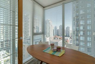 "Photo 8: 1204 1010 RICHARDS Street in Vancouver: Yaletown Condo for sale in ""THE GALLERY"" (Vancouver West)  : MLS®# R2115670"