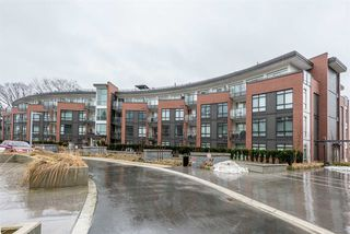 """Photo 1: 326 22 E ROYAL Avenue in New Westminster: Fraserview NW Condo for sale in """"THE LOOKOUT"""" : MLS®# R2139153"""
