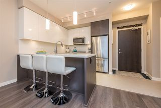 """Photo 5: 326 22 E ROYAL Avenue in New Westminster: Fraserview NW Condo for sale in """"THE LOOKOUT"""" : MLS®# R2139153"""