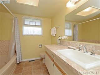 Photo 15: 6711 Welch Road in SAANICHTON: CS Martindale Single Family Detached for sale (Central Saanich)  : MLS®# 375817
