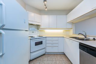"""Photo 7: 1605 10 LAGUNA Court in New Westminster: Quay Condo for sale in """"LAGUNA COURT"""" : MLS®# R2155689"""