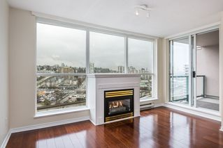 """Photo 2: 1605 10 LAGUNA Court in New Westminster: Quay Condo for sale in """"LAGUNA COURT"""" : MLS®# R2155689"""