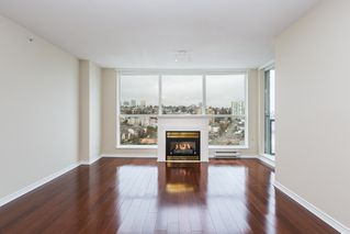 """Photo 3: 1605 10 LAGUNA Court in New Westminster: Quay Condo for sale in """"LAGUNA COURT"""" : MLS®# R2155689"""