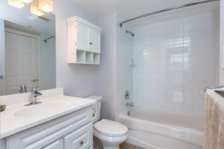 """Photo 12: 1605 10 LAGUNA Court in New Westminster: Quay Condo for sale in """"LAGUNA COURT"""" : MLS®# R2155689"""