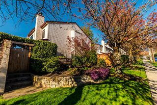 "Photo 1: 21 230 W 14TH Street in North Vancouver: Central Lonsdale Townhouse for sale in ""CUSTER PLACE"" : MLS®# R2159000"