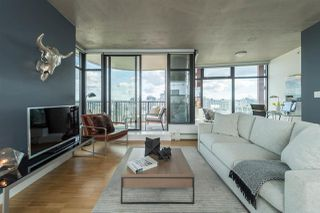 """Photo 2: 2906 128 W CORDOVA Street in Vancouver: Downtown VW Condo for sale in """"WOODWARD'S"""" (Vancouver West)  : MLS®# R2167108"""