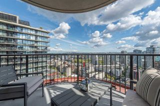 """Photo 3: 2906 128 W CORDOVA Street in Vancouver: Downtown VW Condo for sale in """"WOODWARD'S"""" (Vancouver West)  : MLS®# R2167108"""