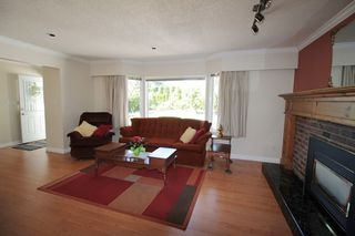 """Photo 3: 21644 44A Avenue in Langley: Murrayville House for sale in """"Murrayville"""" : MLS®# R2182723"""