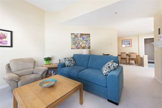 Photo 2: 405 2960 PRINCESS Crescent in Coquitlam: Canyon Springs Condo for sale : MLS®# R2183686