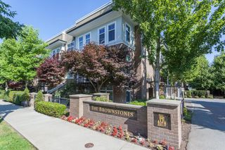 """Photo 1: 84 15833 26 Avenue in Surrey: Grandview Surrey Townhouse for sale in """"BROWNSTONES"""" (South Surrey White Rock)  : MLS®# R2187531"""