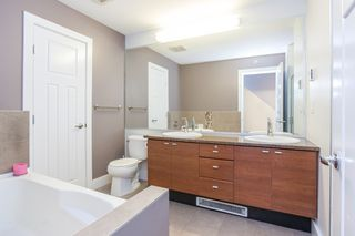 """Photo 15: 84 15833 26 Avenue in Surrey: Grandview Surrey Townhouse for sale in """"BROWNSTONES"""" (South Surrey White Rock)  : MLS®# R2187531"""