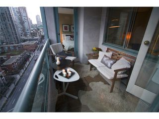 "Photo 9: # 1202 888 HAMILTON ST in Vancouver: Downtown VW Condo for sale in ""Rosedale Gardens"" (Vancouver West)  : MLS®# V933899"