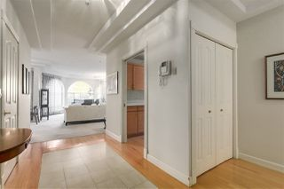 Photo 2: 201 2210 W 40TH Avenue in Vancouver: Kerrisdale Condo for sale (Vancouver West)  : MLS®# R2218171