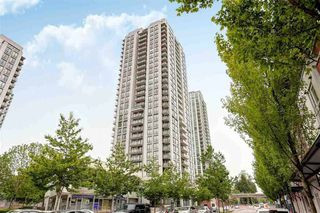 Photo 2: 1103 2979 GLEN Drive in Coquitlam: North Coquitlam Condo for sale : MLS®# R2234257