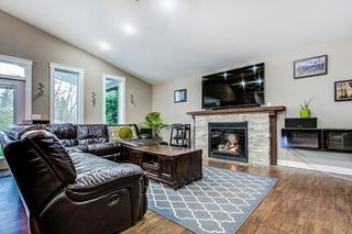Photo 4: 11824 STEPHENS Street in Maple Ridge: East Central House for sale : MLS®# R2237659