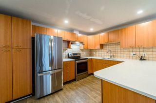 """Photo 2: A202 2099 LOUGHEED Highway in Port Coquitlam: Glenwood PQ Condo for sale in """"SHAUGHNESSY SQUARE"""" : MLS®# R2243170"""