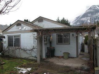 Photo 12: 563 DOUGLAS Street in Hope: Hope Center House for sale : MLS®# R2245825