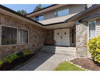 Photo 2: 8861 156A Street in Surrey: Fleetwood Tynehead House for sale : MLS®# R2281501