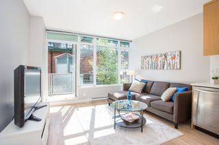 "Photo 5: 252 250 E 6TH Avenue in Vancouver: Mount Pleasant VE Condo for sale in ""The District"" (Vancouver East)  : MLS®# R2290593"