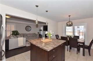 Photo 8: 14 Dulverton Drive in Brampton: Brampton North House (2-Storey) for sale : MLS®# W4197601