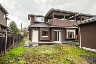 Photo 19: 6806 DUNNEDIN Street in Burnaby: Sperling-Duthie House 1/2 Duplex for sale (Burnaby North)  : MLS®# R2304415
