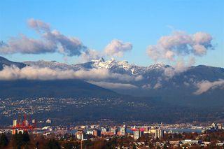 "Photo 7: 1105 4638 GLADSTONE Street in Vancouver: Victoria VE Condo for sale in ""KENSINGTON GARDEN"" (Vancouver East)  : MLS®# R2332735"