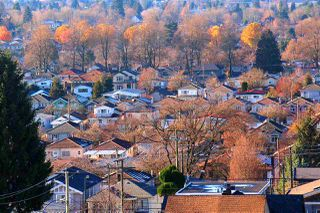 "Photo 8: 1105 4638 GLADSTONE Street in Vancouver: Victoria VE Condo for sale in ""KENSINGTON GARDEN"" (Vancouver East)  : MLS®# R2332735"