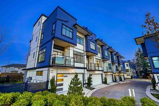 """Photo 3: 2 16828 BOXWOOD Drive in Surrey: Fleetwood Tynehead Townhouse for sale in """"Crest"""" : MLS®# R2337598"""