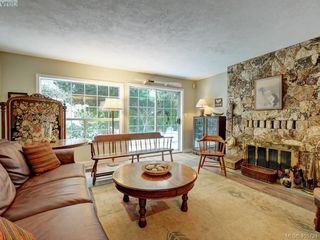 Photo 6: 1017 Scottswood Lane in VICTORIA: SE Broadmead Single Family Detached for sale (Saanich East)  : MLS®# 806228