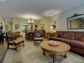 Photo 8: 1017 Scottswood Lane in VICTORIA: SE Broadmead Single Family Detached for sale (Saanich East)  : MLS®# 806228
