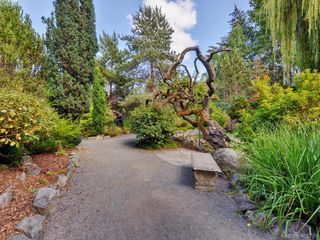Photo 25: 1017 Scottswood Lane in VICTORIA: SE Broadmead Single Family Detached for sale (Saanich East)  : MLS®# 806228