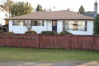 Photo 3: 12108 95A Avenue in Surrey: Queen Mary Park Surrey House for sale : MLS®# R2341890