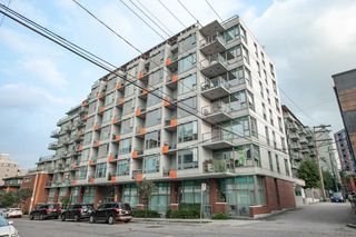 "Photo 13: 615 250 E 6TH Avenue in Vancouver: Mount Pleasant VE Condo for sale in ""DISTRICT"" (Vancouver East)  : MLS®# R2347224"