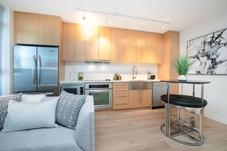 "Photo 1: 615 250 E 6TH Avenue in Vancouver: Mount Pleasant VE Condo for sale in ""DISTRICT"" (Vancouver East)  : MLS®# R2347224"