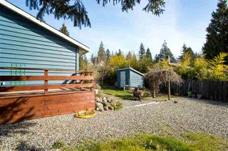 Photo 16: 1210 CAROL Place in Gibsons: Gibsons & Area House for sale (Sunshine Coast)  : MLS®# R2354899