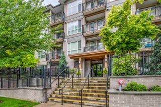"""Photo 1: 301 2343 ATKINS Avenue in Port Coquitlam: Central Pt Coquitlam Condo for sale in """"PEARL"""" : MLS®# R2372122"""