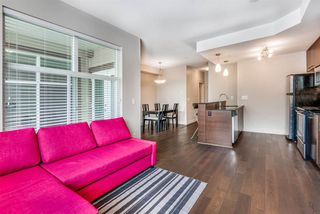 """Photo 10: 301 2343 ATKINS Avenue in Port Coquitlam: Central Pt Coquitlam Condo for sale in """"PEARL"""" : MLS®# R2372122"""